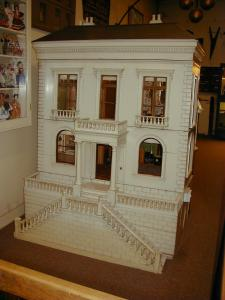 The Rigg Doll's House Image copyright held by The Tunbridge Wells Museum
