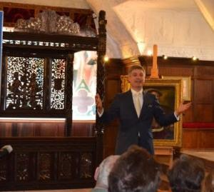 Dr Jonathan Foyle talking about the discovery of the tudor Bed of Roses ©Rachael Hale web