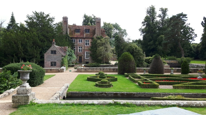 Image of Groombridge Place taken by Rachael Hale